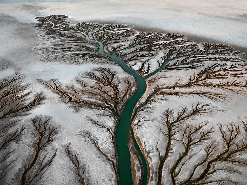 Ausgetrocknetes Delta des Colorado Flusses in der Nähe von San Felipe 8https://www.edwardburtynsky.com/projects/photographs/water)