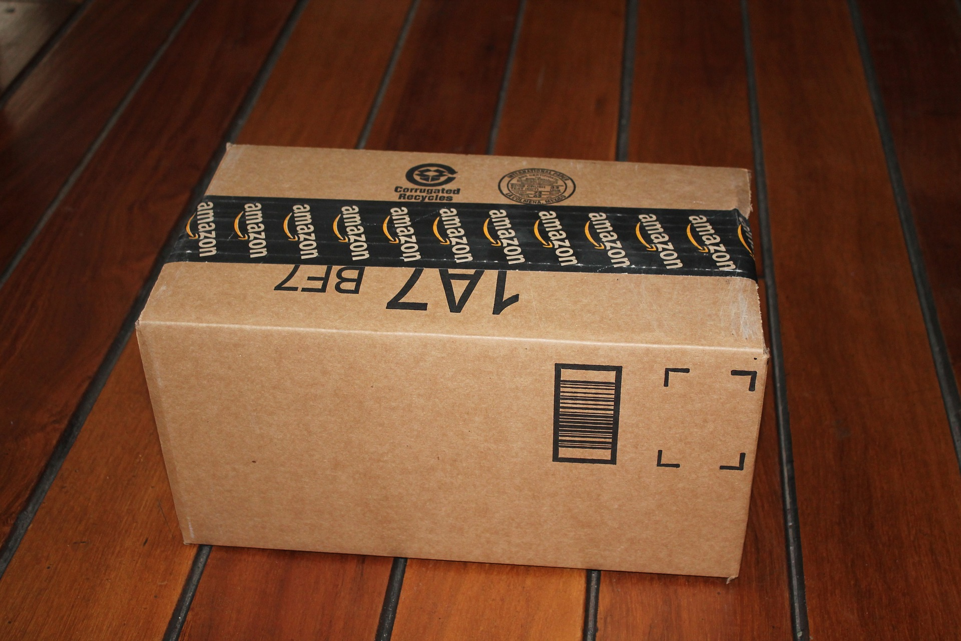 package-delivery-1243499_1920